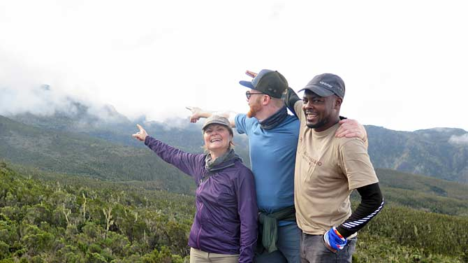 Guide Emanuel with guests